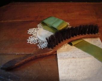 Vintage Whisk Broom / Silent Butler's Whisk Broom / Wood Handle / Crumb Catcher / Artist's Wisk Broom
