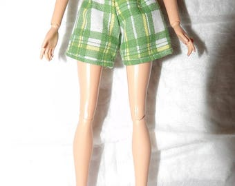Fashion Doll Coordinates - Green & white plaid shorts - es421