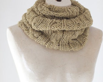 Knit Infinity Scarf Chunky Knit Scarf Chunky Knit Cowl Circle Knit Eternity Scarf Winter Accessories Womens Lightweight Loop