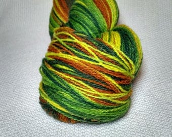 KAUNI 2ply Wool Yarn, Sport weight, Color ev, High-Quality, Green Yellow Brown Fall Autumn EV