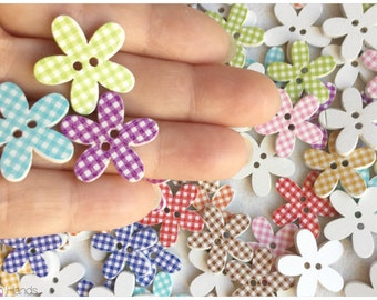 10 pcs Ginham printed flower shaped buttons for scrapbooking or knits