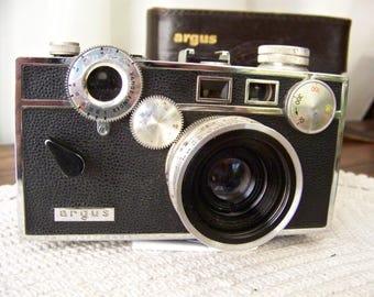 Vintage Camera Argus C-3 Standard Original Case 1958-66 Photography Display Camera