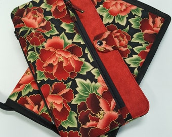 Deluxe Spill Proof Needlecase in Red and Black Floral, for tips, circs and short dpns