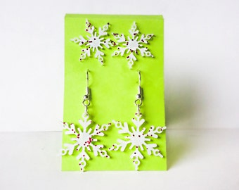 White Sparkle Snowflake Earrings, 2 Pairs