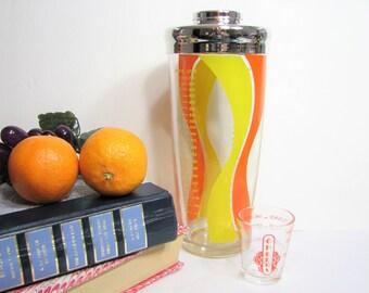 "Retro Glass Cocktail Shaker and Jigger, Vintage Groovy Graphics Irvinware Glass 9"" 24oz Shaker and 1.5oz Jigger ... 1960s Retro Mod Barware"