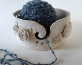 Ceramic Yarn Bowl - White and Cream Yarn Bowl with Roses - Large Handmade Knitting Bowl - Yarn holder - Gift for Knitter