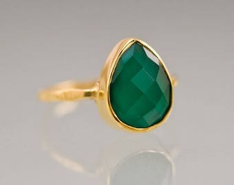 40 OFF - Green Onyx Stacking Ring Gold - Gemstone Ring - Stacking Ring - Gold Ring - Tear Drop Ring - Solitaire Ring