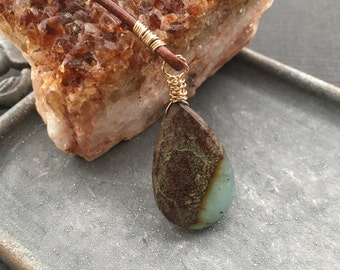 Chrysoprase Necklace, Leather Lariat Necklace, Brown Leather Necklace, Chrysoprase Jewelry, Bohemian Jewelry, Green Stone Necklace