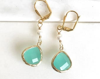 Aqua Teardrop and White Pearl Dangle Earrings in Gold. Mint Bridesmaids Earrings.  Drop. Jewelry Gift for Her.  Modern. Bridesmaid Earrings.