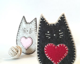 FELT CAT brooch - handcrafted from 100% wool felt - accessories - Valentine's gift