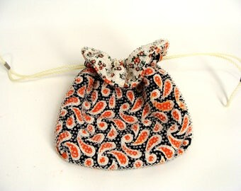 Halloween Bag. Vintage Candy Dot Purse. 60s 70s Reversible Orange Black Paisley Button Candy Drawstring Beaded Pouch. Trick or Treat Bag.