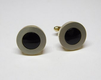 Vintage 1980's  Men's Onyx and Gold Tone Round Shaped Cuff Links