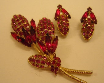 FOR PARTS Hobe Red Glass Jewelry Set