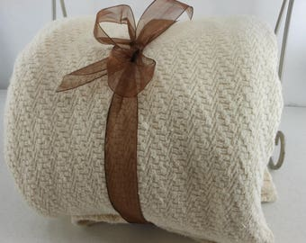 King Cotton Coverlet VERY HEAVY Rectangle Noble Excellence Ecru Bone Geo Weave
