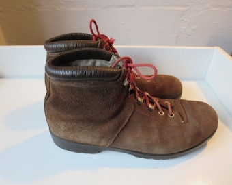 Vintage 1960's Bata Suede Hiking Boots Men's  size 8 1/2 Mountaineering Boats