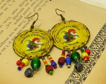 Round La Chouffe recycled tin earrings with beads