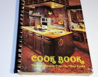 Vintage Cookbook, Vintage Kitchen Decor, Favorite Recipes From Our Best Cooks, Compiled by the Ladies of the Household, Vintage Recipes
