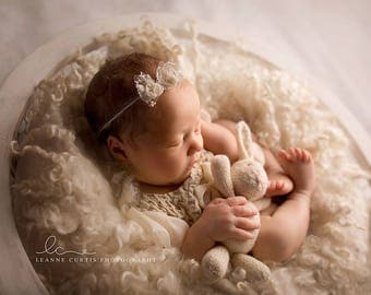 Newborn Bow Headband. Newborn Lace and Silk Bow Headband. Baby Lace Bow Headband. Girls Bow Headband. New Born Photography Prop. UK SELLER