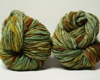 Merino Thick and Thin Wool Yarn Bulky Hand Spun Wool Slub  Hand Dyed tts(tm) Self-Striping xLR1607