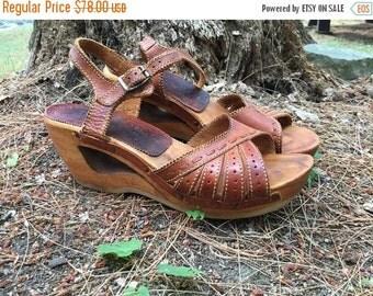 SALE 1970s leather wood wedge heels cutout platform honey ankle straps boho RARE vintage // US Size 6