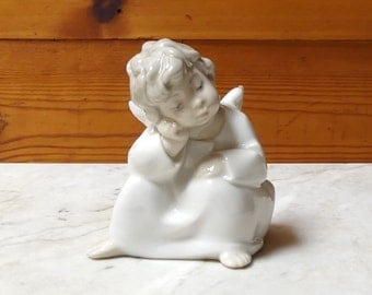 "Vintage 1969 Spanish Lladro Fine China Figurine 'Angel Thinking"" Number: 04539"