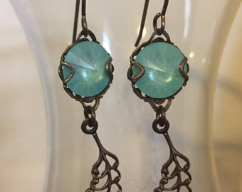 Plume Earrings in Mint Green