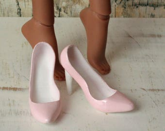 Kingdom Doll Pink Pump