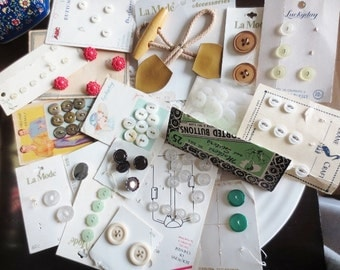 Vintage Buttons Carded Lot 17 styles Assortment for DIY