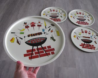 Vintage Round TV Trays - Set of 4 - BBQ Grilling Theme