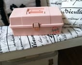 Caboodles vintage make up case pink plastic cosmetics case Plano Tx made case vintage make up case 1980's beauty case movie set dec