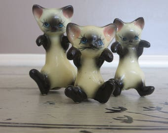 Miniature Cat Mommy Cat with Kittens Ceramic Cat Cat Figurine Cats Playing Siamese Cats White and Black Cat