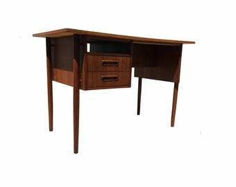 mid century modern desk in rosewood with two drawers made in denmark desk is finished from the both sides in great original conditio