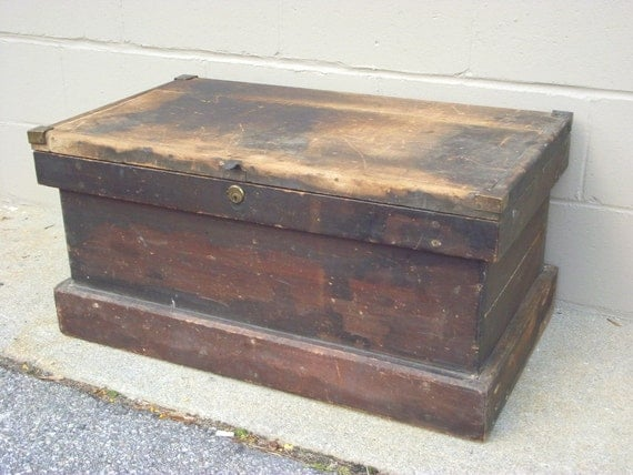 Antique wooden carpenter tool chest box tradesman trunk coffee