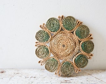 Vintage Flower Pot Holder Wicker Trivet Hot Pad Colorful Christmas Tan Boho Green Kitchenware