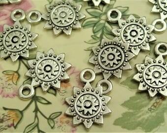 10/50/150pcs Tibet Silver Sun Sign Charm/Pendant
