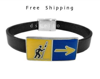 Way of St. James souvenir leather bracelet - Camino de Santiago - Pilgrim ways gift - Custom made to your size -