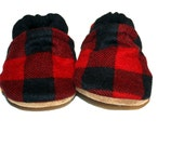 red and black plaid baby shoes baby booties buffalo plaid toddler slippers soft sole shoes newborn gifts indoor shoes gender neutral vegan
