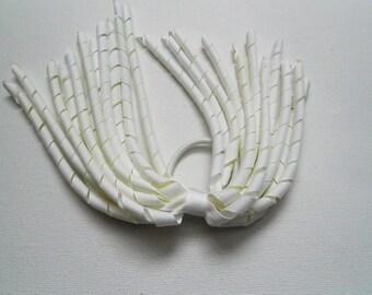 White korker pony o streamer pony tail holder hair binder