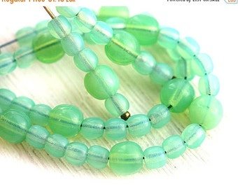 ON SALE Jade beads Mix, Opal green Czech glass round spacers, druk, small, mint green - 4-5mm - approx.70Pc - 0147