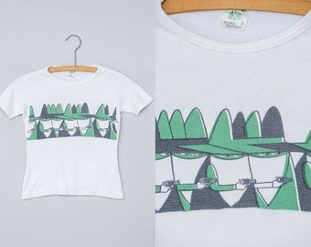 60s Cartoon T Shirt Cotton Green and White Masked Gunman Outlaw Tee