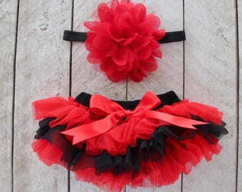 TEAM COLORS Baby Girl Ruffle Bottom Tutu Bloomer & Headband Set in Red and Black - Newborn Photo - Cake Smash - Diaper Cover - Baby Gift