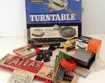 Atlas HO Scale turntable - Motor Drive Unit with Shanty - 21 Train Things  - Model Railroading  - train layout - Train collector - mixed lot
