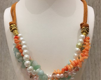 chunky necklace, gemstone necklace, a statement jewelry with leather and semi-precious stones