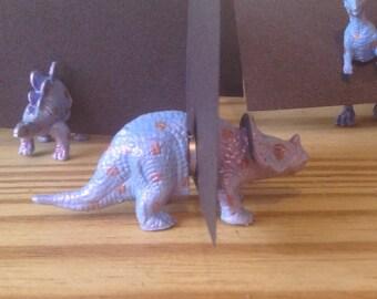 25 Dinosaur magnet place card holders