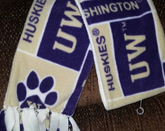 Washington Huskies fleece scarves