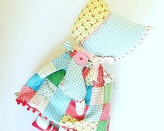 HURRY PRESIDENTS DAY Sale Sunbonnet Sue Doll - Retro Doll - Feedsack Fabric - Vintage Doll