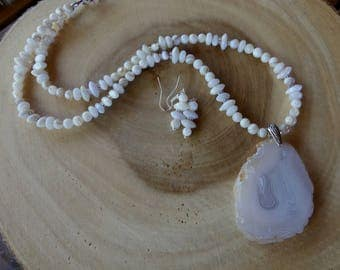 24 Inch White Slab Agate Pendant Necklace with Agate and Mother of Pearl with Earrings