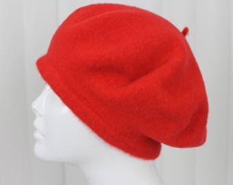 Vintage Red Wool Beret  - 50s/60s - Cloche Hat - Small/Medium
