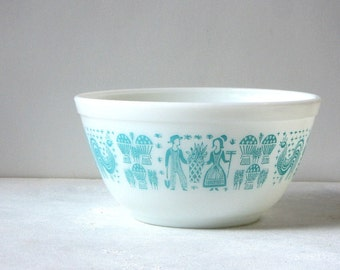 Pyrex Butterprint Turquoise on White 1.5 Quart Mixing Bowl Amish Couple Farm Crops Mid Century Kitchen Collectible