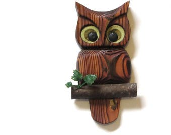 Carved Wood Owl On Branch Wall Plaque Retro Home Cabin Camp Bird Lover Gift